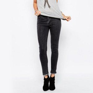 LEVIS 511 long skinny faded black jeans size 2